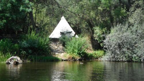 tipi-camping-rivier