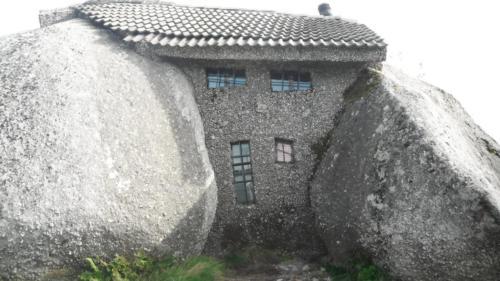 stenen-huis-vooraanzicht