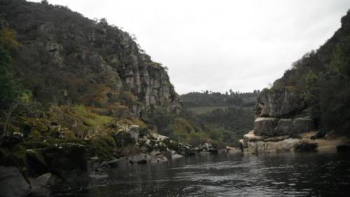 rivier-Portugal